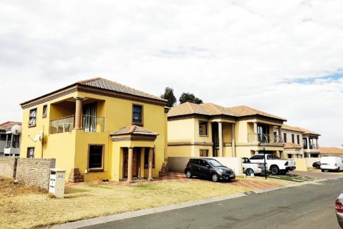 House-for-sale-in-Brakpan (2)