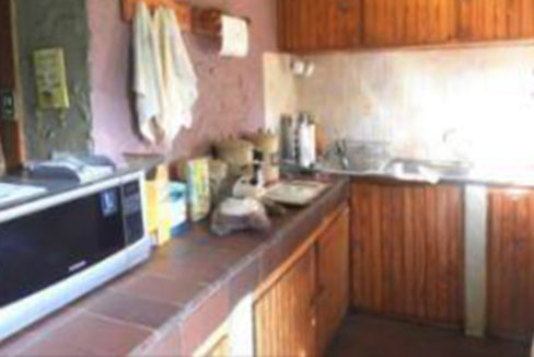 3 Bedroom House for Sale in Observatory10