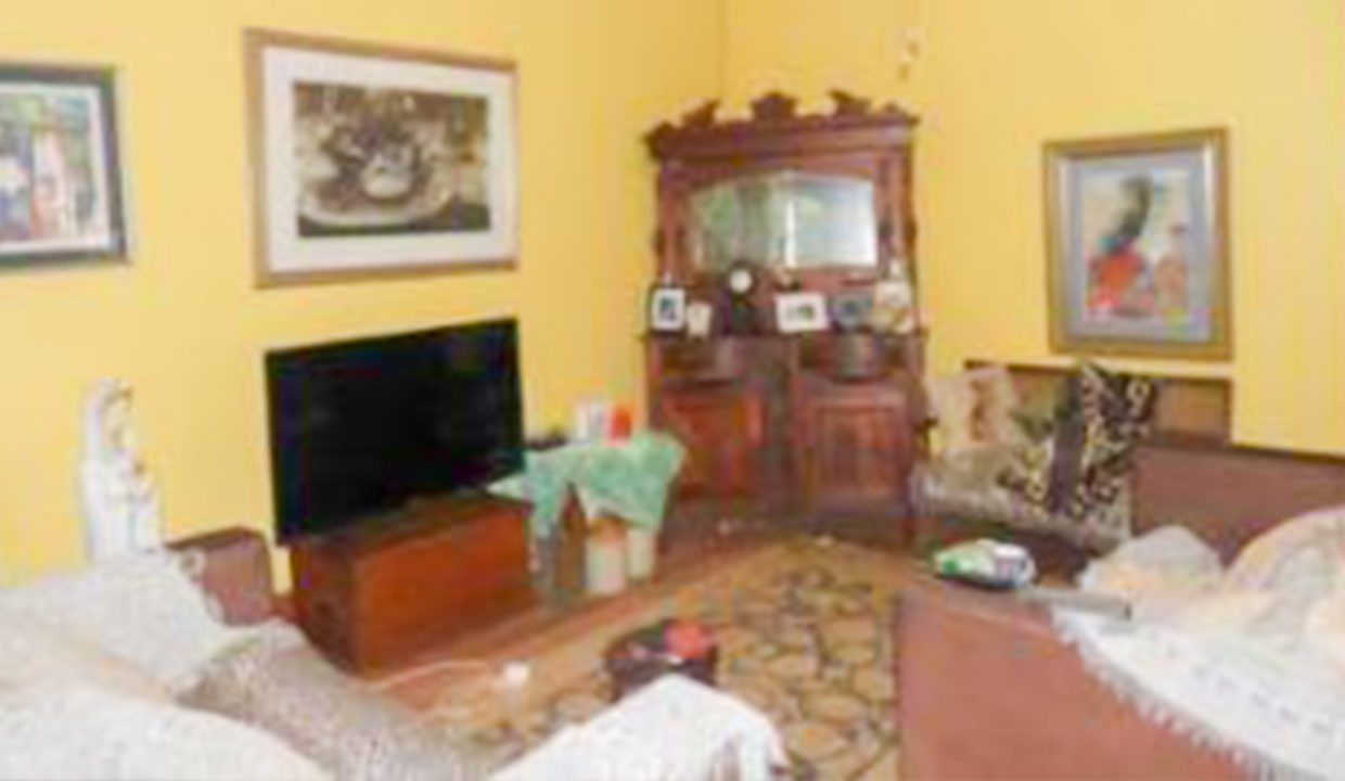 3 Bedroom House for Sale in Observatory12
