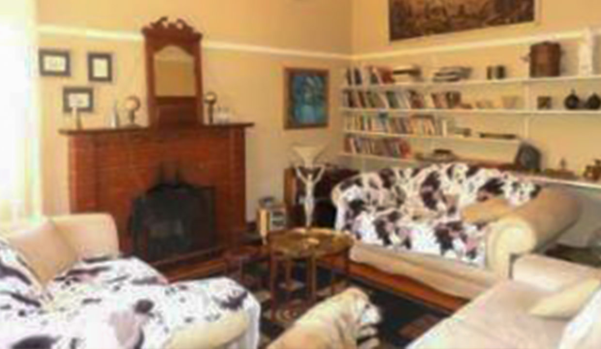3 Bedroom House for Sale in Observatory4