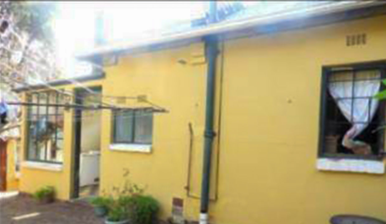 3 Bedroom House for Sale in Observatory6