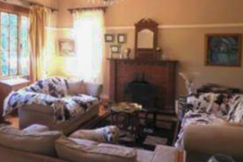 3 Bedroom House for Sale in Observatory7