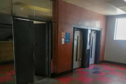 54 Bedroom Flat for Sale in Joubert Park11