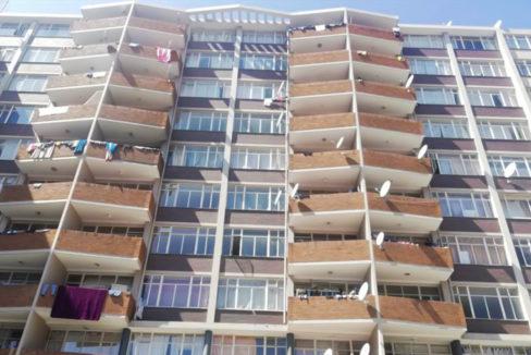 54 Bedroom Flat for Sale in Joubert Park12