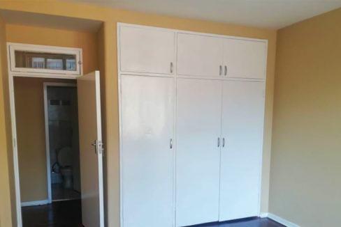 54 Bedroom Flat for Sale in Joubert Park7