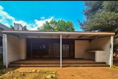 8566 m² Farm for Sale in Chartwell25